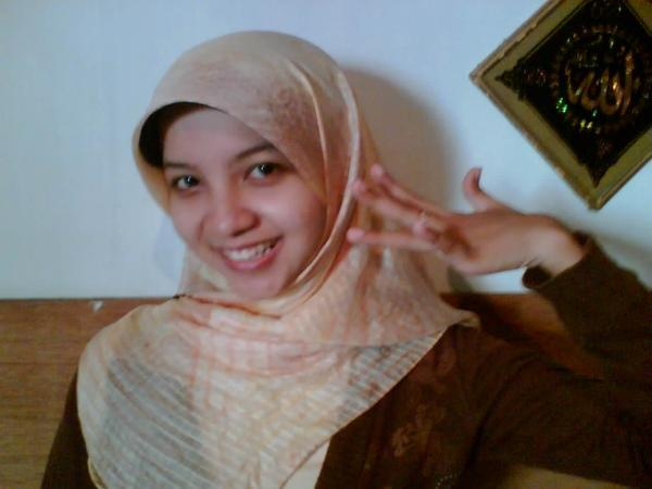 http://bud1prasety0.files.wordpress.com/2010/04/jilbab-friendster-cantik-02.jpg